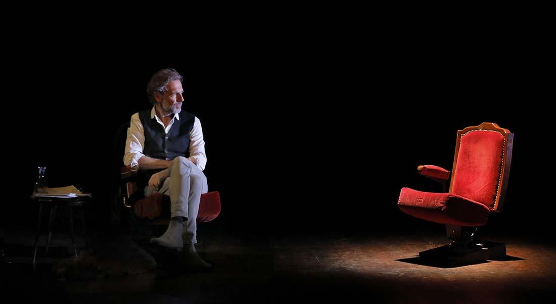 La Promesse de l'aube de Romain Gary, adaptation et lecture de Stéphane Freiss - Critique sortie Théâtre Paris Théâtre de l'Atelier