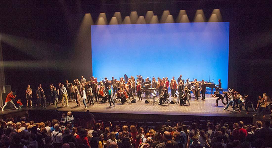 Music for 18 musicians sur une musique Steve Reich, chorégraphie par  Sylvain Groud - Critique sortie Danse Strasbourg Maillon - Théâtre de Strasbourg - Scène européenne