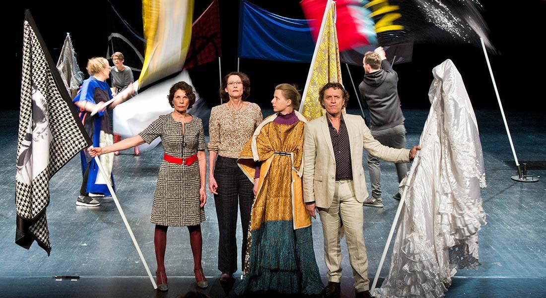 Oratorium de la Compagnie She She Pop - Critique sortie Théâtre Strasbourg Maillon - Théâtre de Strasbourg - Scène européenne