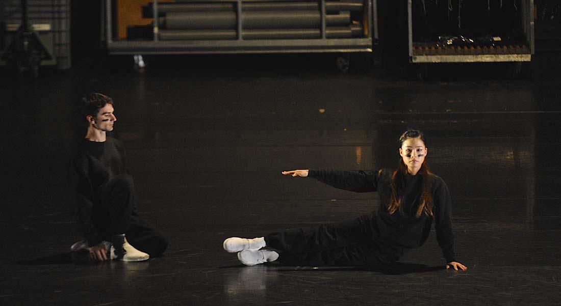Le Ballet de l'Opéra de Lyon danse Cunningham et Sciarroni - Critique sortie Danse Paris Le Centquatre