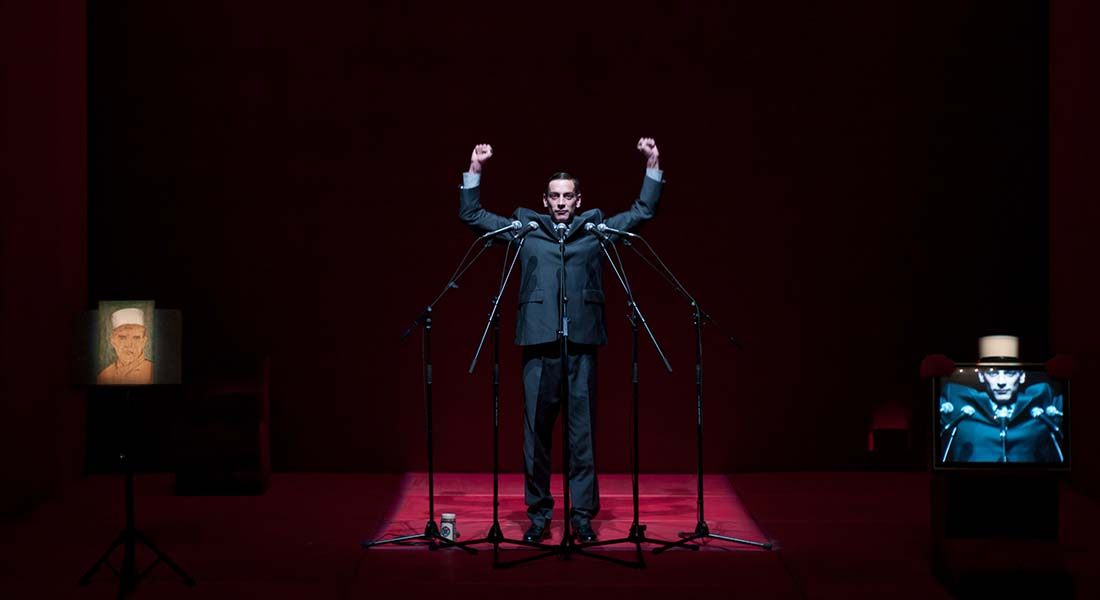 Mon Képi Blanc de Sonia Chiambretto, mis en scène par Hubert Colas - Critique sortie Théâtre Paris Le Carreau du Temple