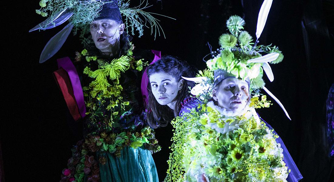 Alice traverse le miroir de Fabrice Melquiot d'après Lewis Caroll, mis en scène d'Emmanuel Demarcy-Mota - Critique sortie Théâtre Paris Théâtre de la Ville - Espace Cardin