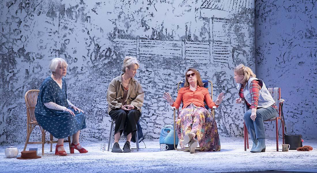Du ciel tombaient les animaux de Caryl Churchill, traduction Elisabeth Angel-Perez, mise en scène de Marc Paquien - Critique sortie Théâtre Paris Théâtre du Rond-Point
