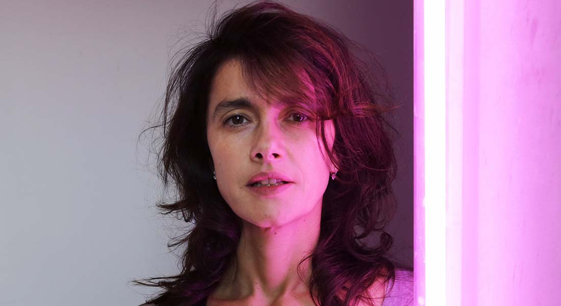 Les vagues, les amours, c'est pareil, rencontre avec Marie Vialle - Critique sortie Théâtre Paris Le CENTQUATRE-PARIS