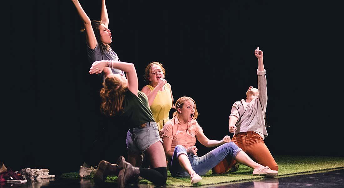 Mon Olympe de Gabrielle Chalmont et Marie-Pierre Nalbandian, mise en scène de Gabrielle Chalmont - Critique sortie Théâtre Paris Théâtre de Belleville