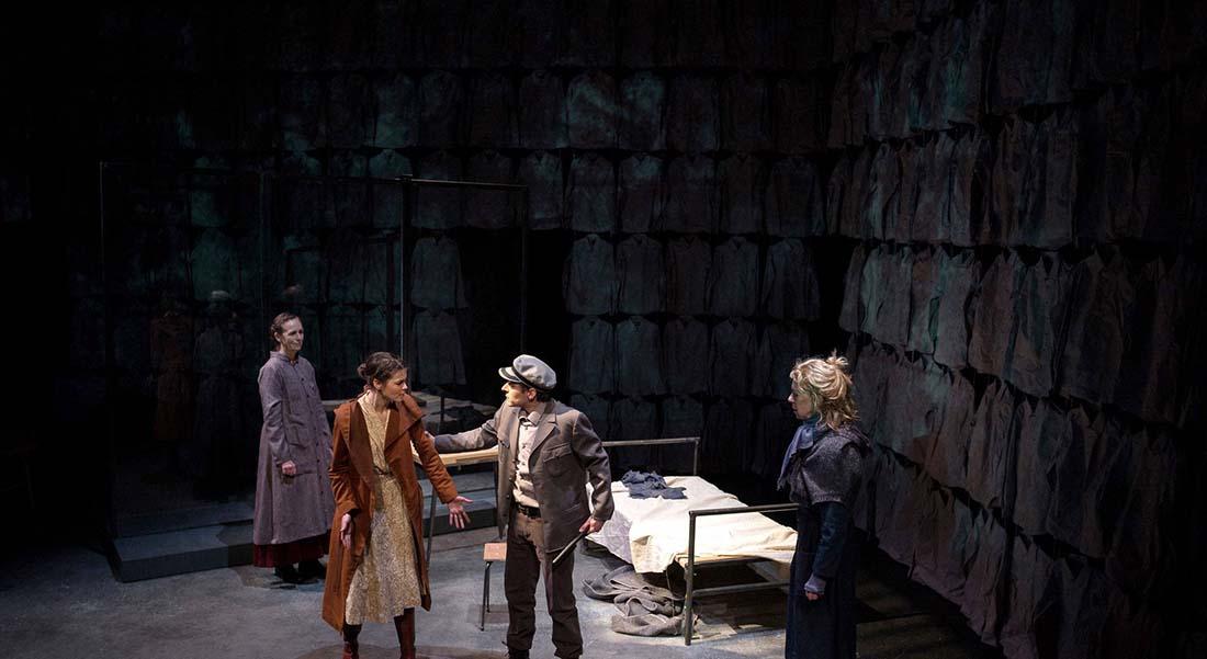 J'ai rêvé la révolution de Catherine Anne, mise en scène de Catherine Anne et Françoise Fouquet - Critique sortie Théâtre Paris Théâtre de l'Epée de bois