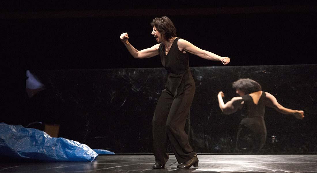 La Lune en plein jour de et avec Marina Tomé / mes Anouche Setbon - Critique sortie Théâtre Paris Théâtre de la Huchette