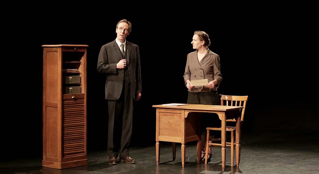 Les récits de Monsieur Kafka d'après Franz Kafka, mise en scène et jeu Sylvie Blotnikas et Julien Rochefort - Critique sortie Théâtre Paris _Le Lucernaire