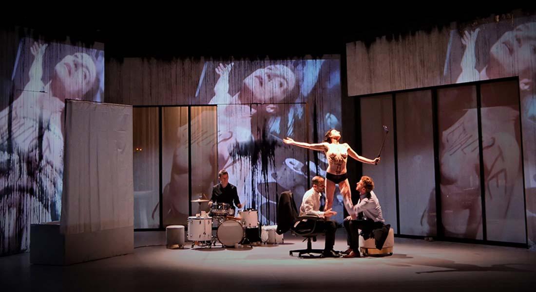 Toute nue d'après Georges Feydeau et Lars Norén, mis en scène par Emilie Anna Maillet - Critique sortie Théâtre Paris Théâtre Paris-Villette