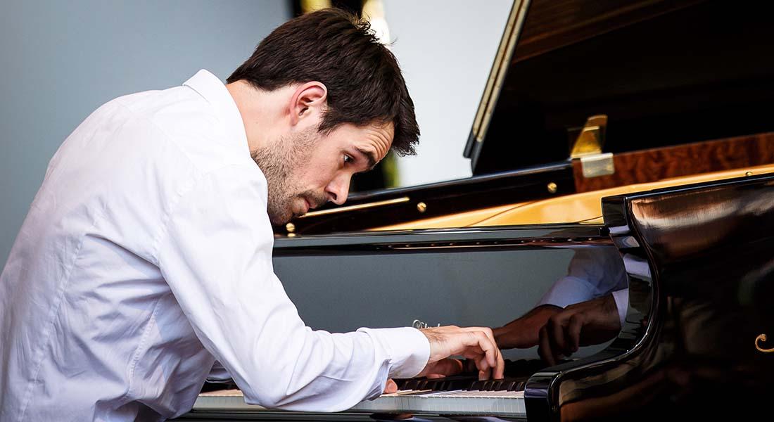 Le pianiste Tanguy de Williencourt, du soliste au chambriste - Critique sortie Classique / Opéra