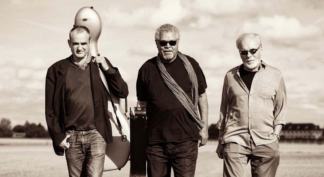 Guitares au Beffroi, avec Dick Annegarn, Fu Ping Liu, Gérard Abiton, Jérémy Jouve, Axel Bauer, Crossborder blues Trio - Critique sortie Jazz / Musiques Montrouge Beffroi de Montrouge