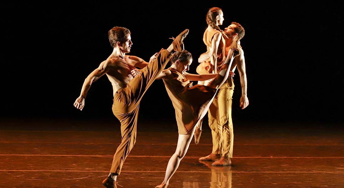La São Paulo Companhia de Dança avec Cassi Abranches, Marco Goecke et Joëlle Bouvier - Critique sortie Danse Paris