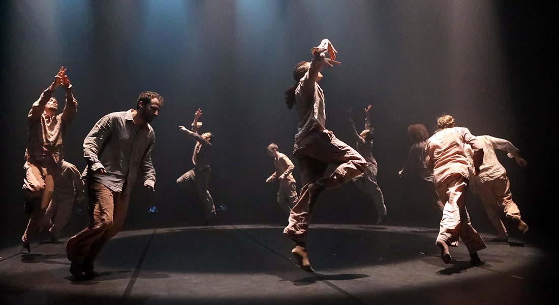 Political Mother Unplugged d' Hofesh Shechter - Critique sortie Danse Paris