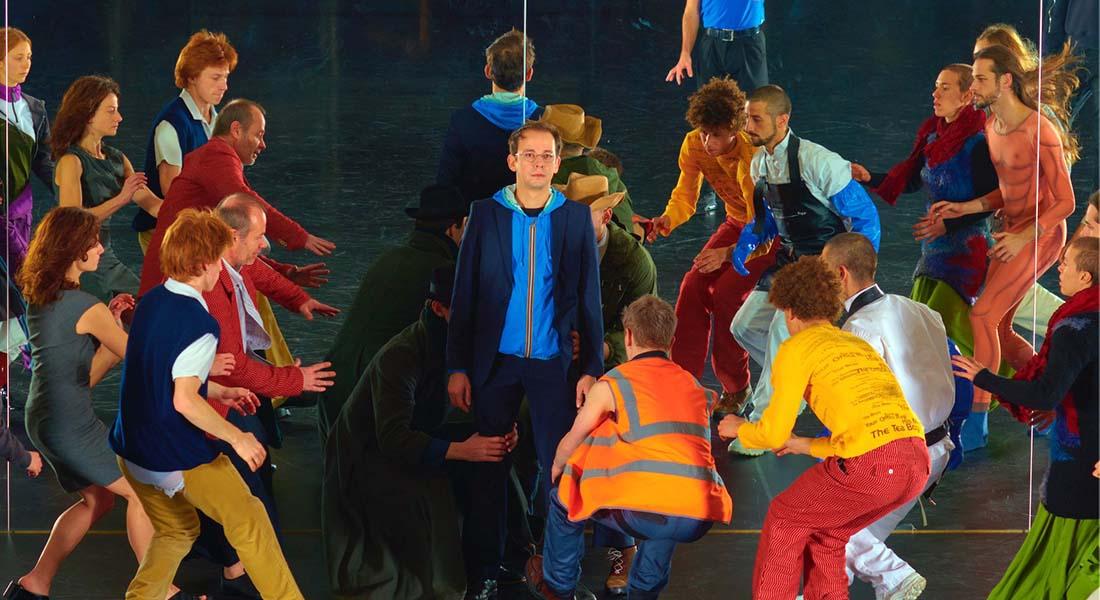 Room with a view sur une chorégraphie de (La)Horde  avec le Ballet National de Marseille et Rone, grande figure de la musique électro française - Critique sortie Danse Paris Théâtre du Châtelet