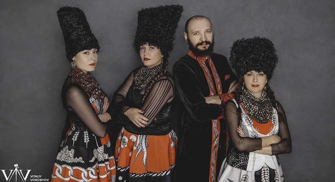 Le groupe ukrainien DakhaBrakha fait son concert magique et hypnotique - Critique sortie Jazz / Musiques Paris Sur la Seine