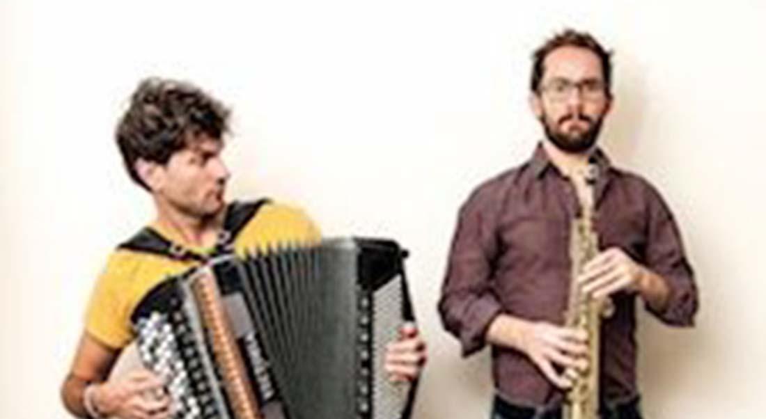 « Abrazo » : Vincent Peirani, en duo avec Emile Parisien - Critique sortie Jazz / Musiques Paris Théâtre des Bouffes du Nord