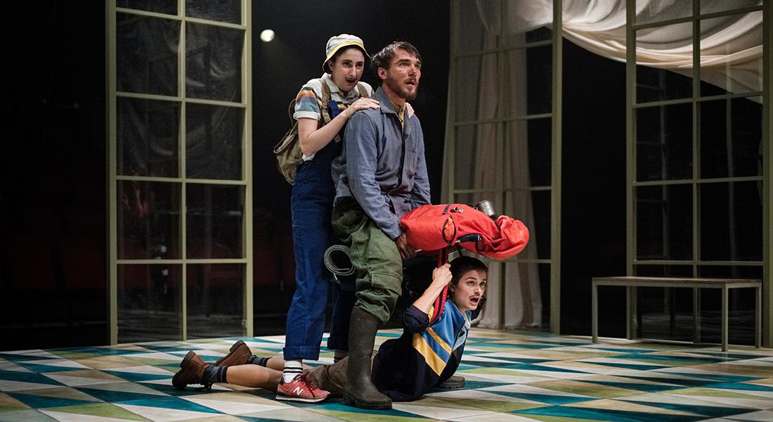 A l'abordage d'Emmanuelle Bayamack-Tam d'après Le Triomphe de l'amour de Marivaux, mise en scène de Clément Poirée - Critique sortie Théâtre Paris Théâtre de la Tempête