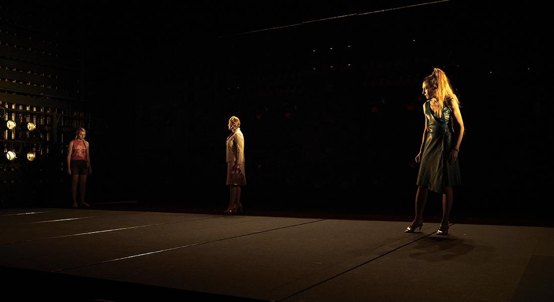 Les Serpents de Marie NDiaye, mise en scène de Jacques Vincey - Critique sortie Théâtre Tours Théâtre Olympia - CDN de Tours