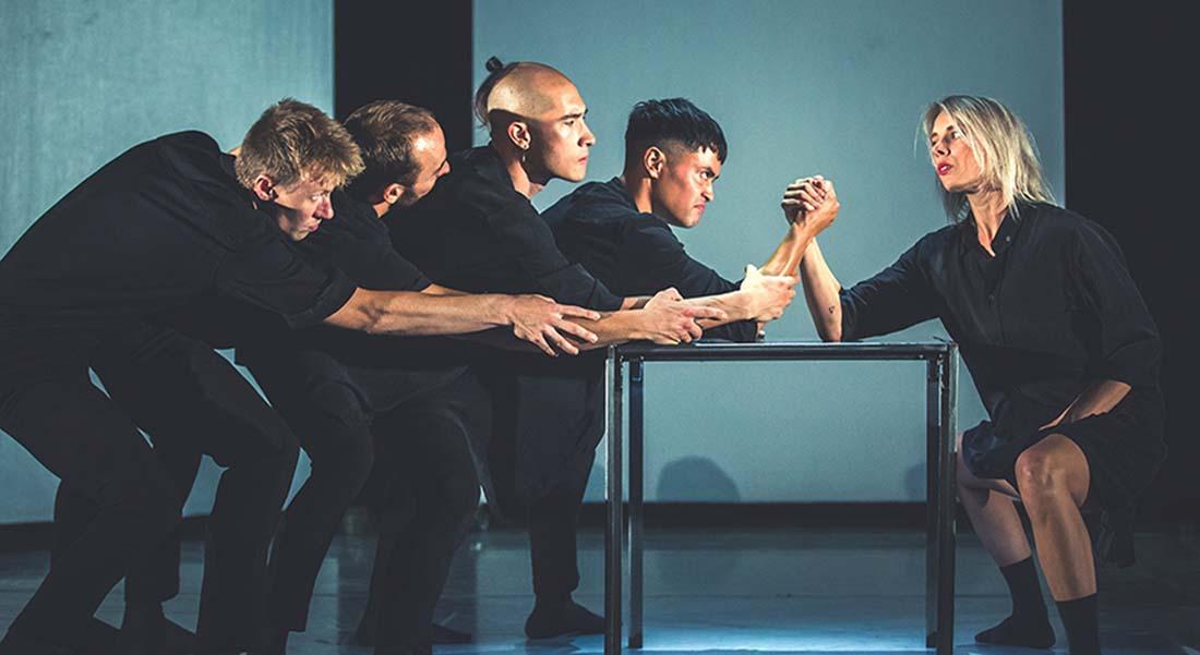 Soirée internationale, Uppercut Dance Theater avec les chorégraphes Stephanie Thomasen et Mark Philip - Critique sortie Danse Bron Pôle en Scènes - Espace Albert Camus