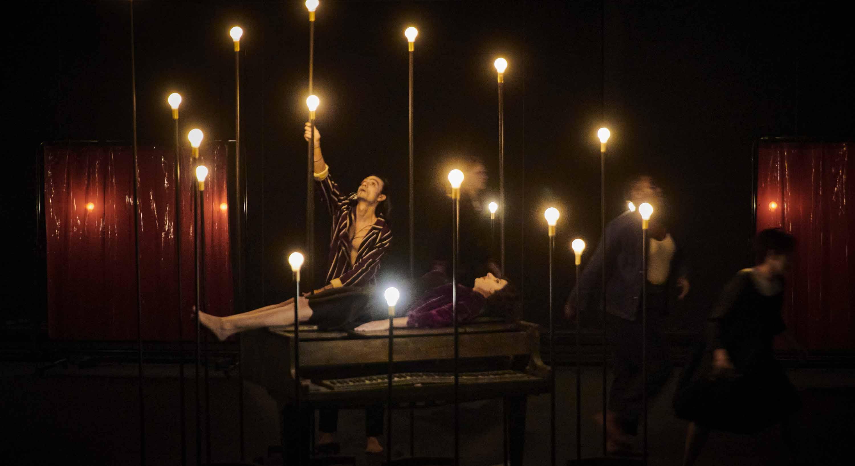Le Jeu des Ombres de Valère Novarina, mise en scène Jean Bellorini - Critique sortie Théâtre France