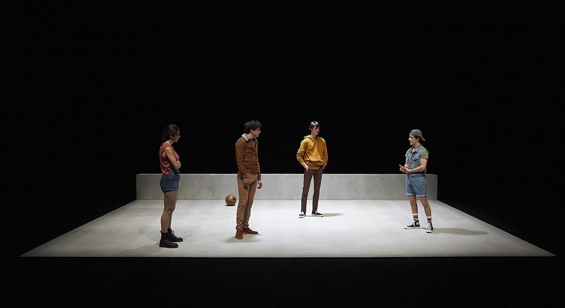 La Brèche de Naomi Wallace,  mise en scène et scénographie de Tommy Milliot - Critique sortie Théâtre Paris Le CENTQUATRE-PARIS