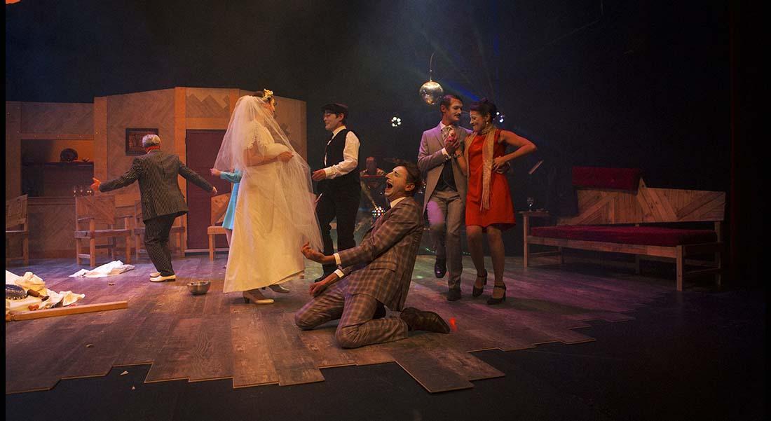 La Noce de Bertolt Brecht traduction de Magali Rigaill, mise en scène d'Olivier Mellor - Critique sortie Théâtre Paris Théâtre de l'Epée de bois