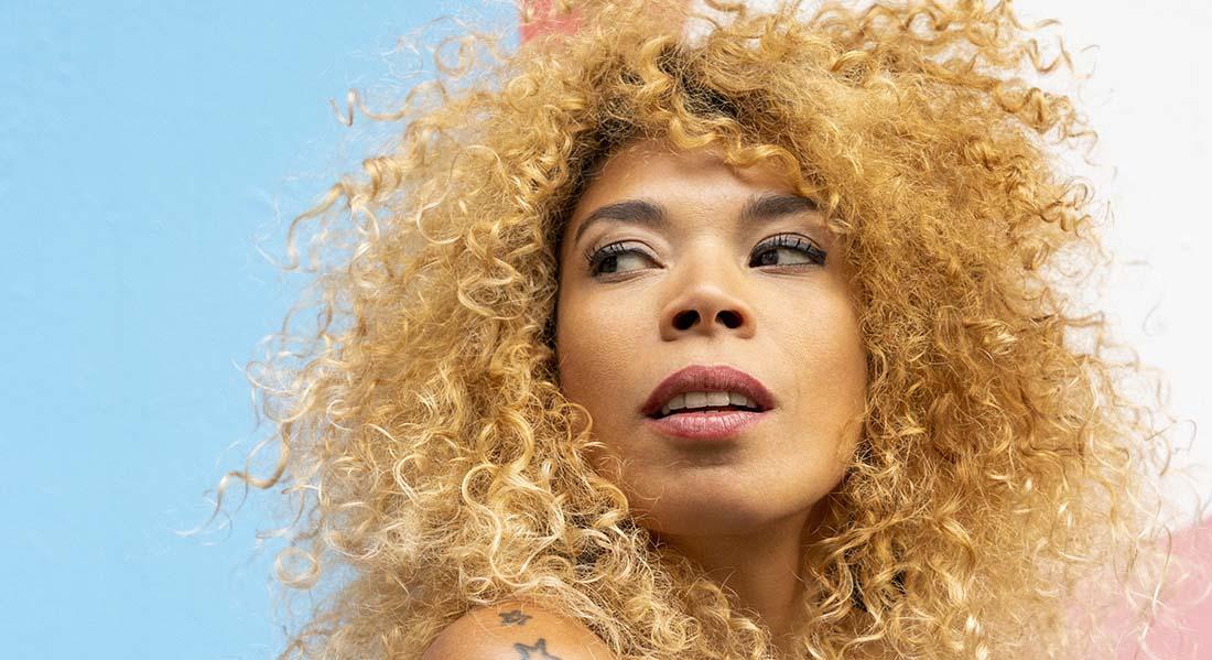 La chanteuse brésilienne Flavia Coelho - Critique sortie Jazz / Musiques Nanterre Maison Daniel-Féry (Maison de la Musique de Nanterre)