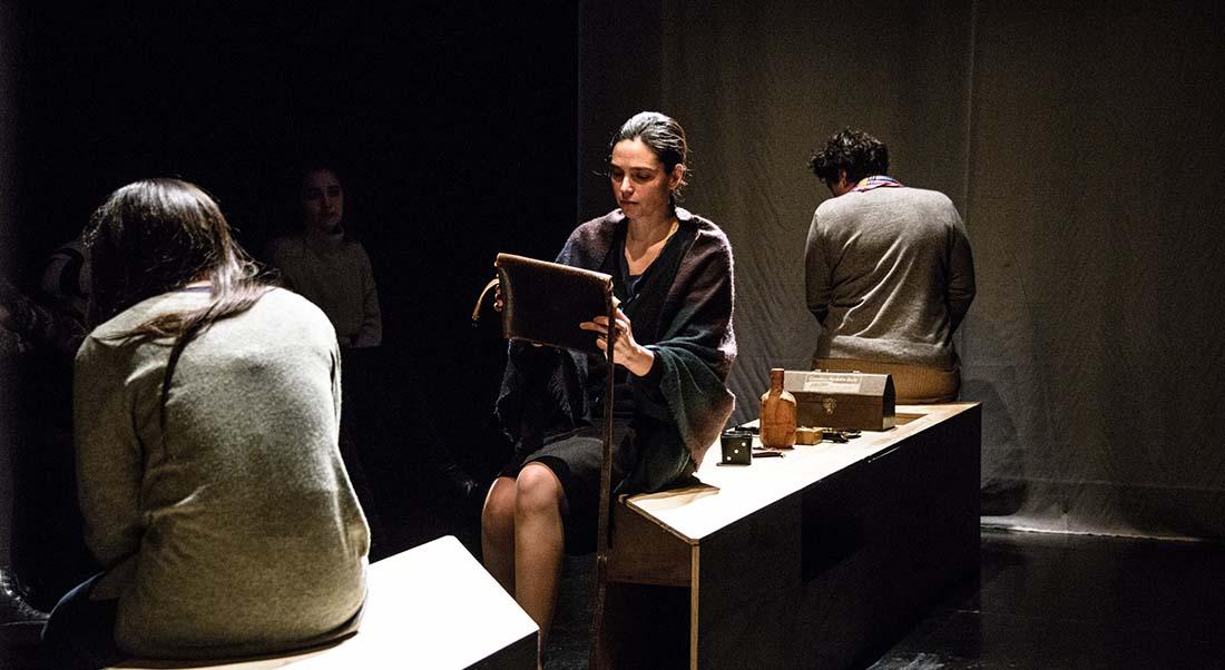 El país sin duelo / El hombre que devoraba las palomas de Cristian Flores - Critique sortie Théâtre Montpellier Théâtre la Vignette