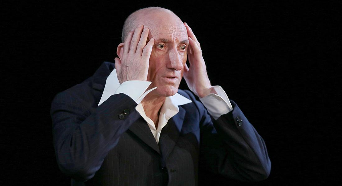 Le jour où j'ai appris que j'étais juif de et par Jean-François Derec, mise en scène Georges Lavaudant - Critique sortie Théâtre Avignon Théâtre du Chêne Noir