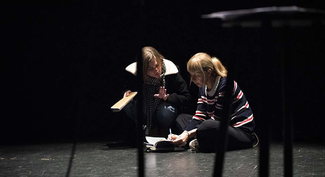 Le Mur invisible d'après Marlen Haushofer, mise en scène de Chloé Dabert - Critique sortie Théâtre Avignon Festival d'Avignon. Cour du Musée Calvet