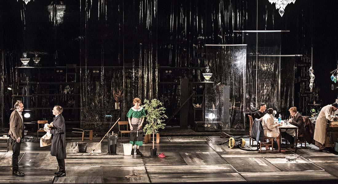 Un ennemi du peuple d'Henrik Ibsen, mise en scène de Jean-François Sivadier - Critique sortie Théâtre Montpellier Amphithéâtre d'O