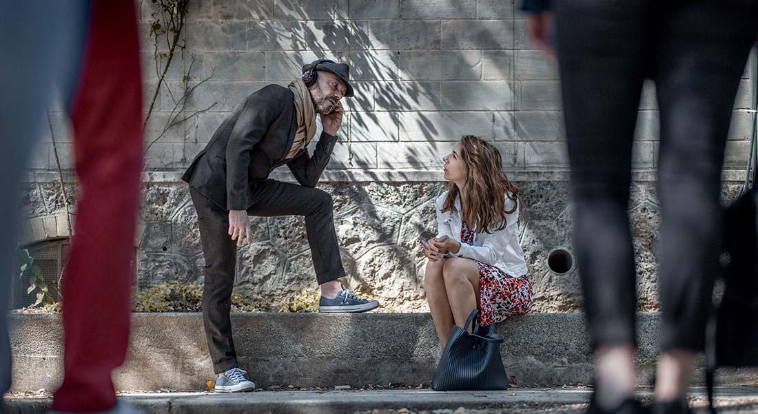 C-Ω-N-T-α-C-T conçu par Gabrielle Jourdain et Samuel Sené, texte Eric Chantelauze, mise en scène Samuel Sené - Critique sortie Théâtre Avignon En extérieur dans la rue