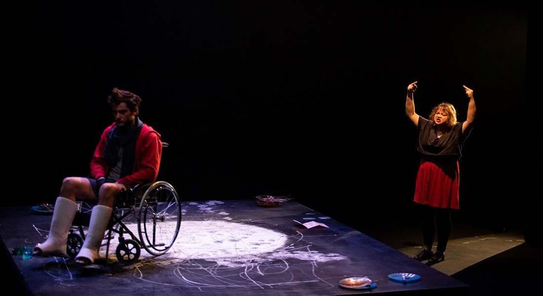 Dimanche napalm de Sébastien David mis en scène par Renaud Diligent - Critique sortie Avignon / 2021 Avignon Avignon Off. Présence Pasteur