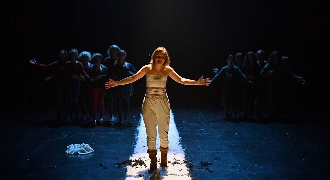Guérillères ordinaires de Magali Mougel, mise en scène Anna Zamore - Critique sortie Avignon / 2021 Avignon Avignon Off. Artéphile