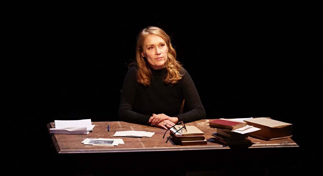 L'Autre Fille d'Annie Ernaux, mise en scène de Marianne Basler et Jean-Philippe Puymartin - Critique sortie Avignon / 2021 Avignon Avignon Off. Avignon-Reine Blanche