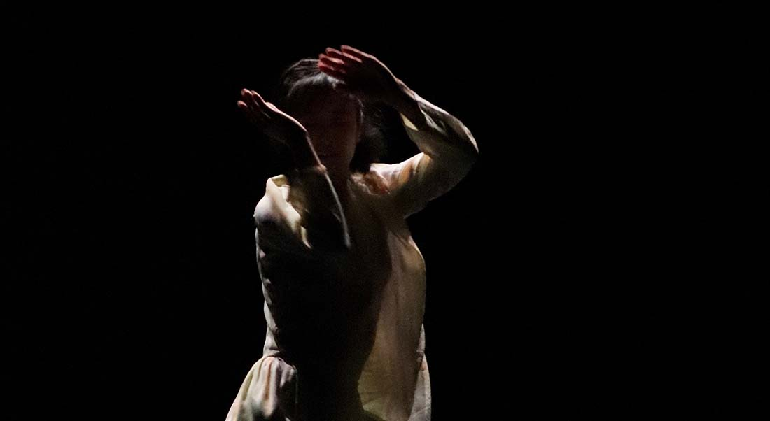 Création féminine à La Belle Scène Saint-Denis - Critique sortie Danse Avignon La Belle Scène Saint-Denis à la Parenthèse