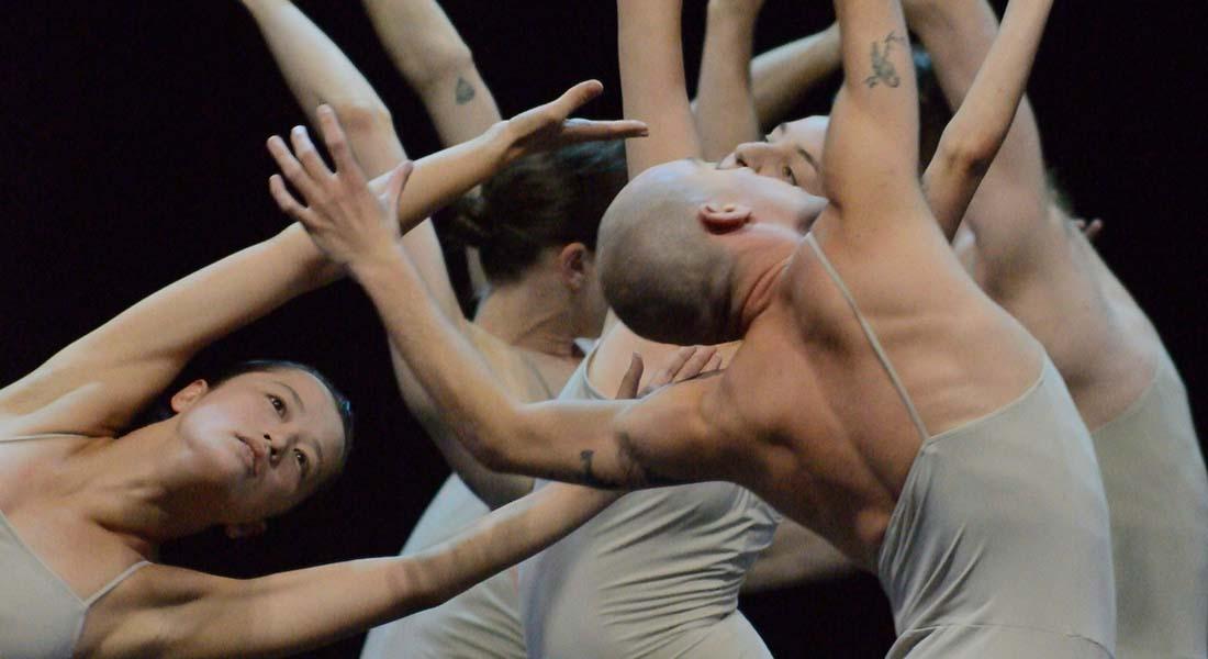 LOVE chapter 2 de Sharon Eyal - Critique sortie  Paris Théâtre du lycée Jacques Decour