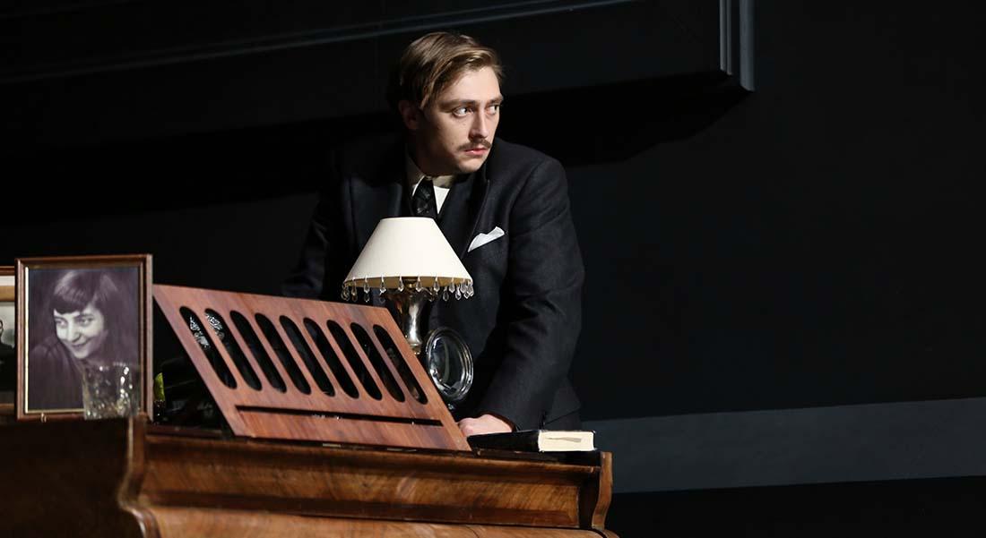 Yves Beaunesne met en scène Le Tartuffe de Molière - Critique sortie  Nîmes Théâtre de Nîmes