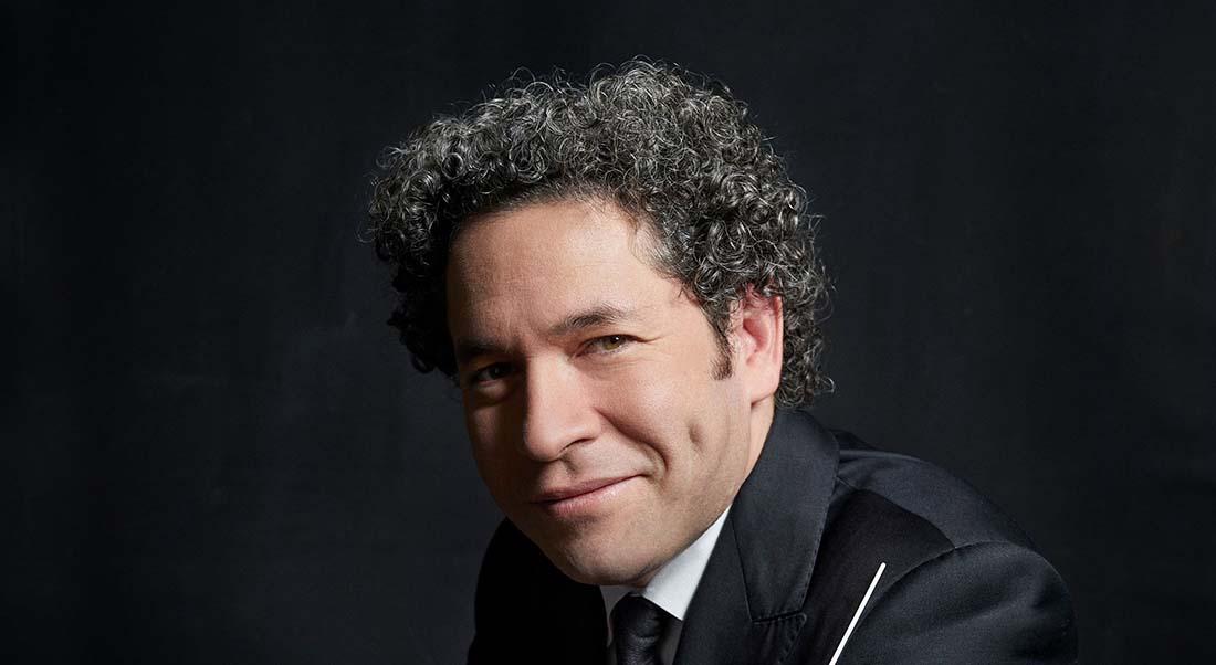Gustavo Dudamel , directeur musical de Turandot mis en scène par Robert Wilson. - Critique sortie Classique / Opéra Paris Opéra Bastille
