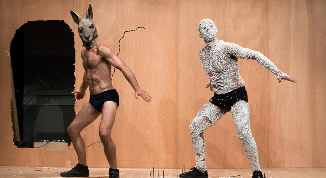 Work : l'hilarant bricolage artistique de Claudio Stellato - Critique sortie Danse Paris Le Monfort Théâtre