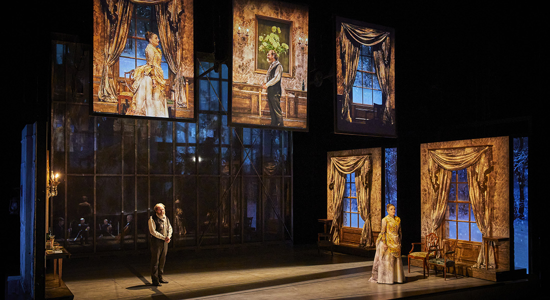 Les Démons d'après Dostoïevski, mise en scène de Guy Cassiers - Critique sortie Théâtre Paris Comédie-Française