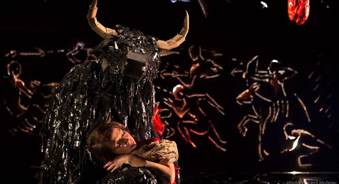 Le Nécessaire Déséquilibre des choses des Anges au Plafond, mise en scène de Brice Berthoud avec Marie Girardin - Critique sortie Théâtre Choisy-le-Roi Théâtre de Choisy-le-Roi - Scène conventionnée