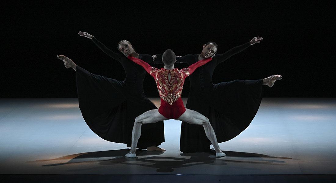L'Oiseau de feu et Le Sacre du Printemps de Stravinski par Thierry Malandain et Martin Harriague. Superbe ! - Critique sortie Danse Biarritz Malandain Ballet Biarritz - Centre Chorégraphique National