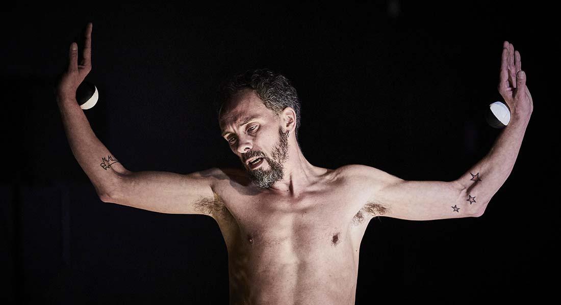Time to tell de David Gauchard et Martin Palisse - Critique sortie Cirque Auch Circa - Pôle National Cirque